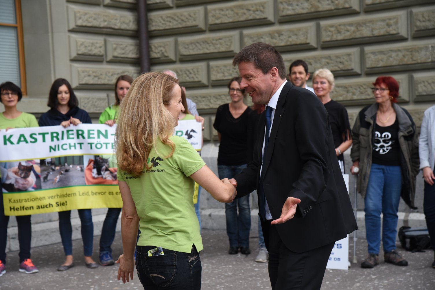 Présidente de NetAPP, Esther Geisser et Prominenter Unterstützer aus dem Parlament: Martin Bäumle, Nationalrat GLP Zürich
